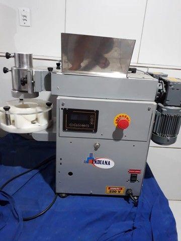 Vendo máquina de fazer coxinha - Foto 2