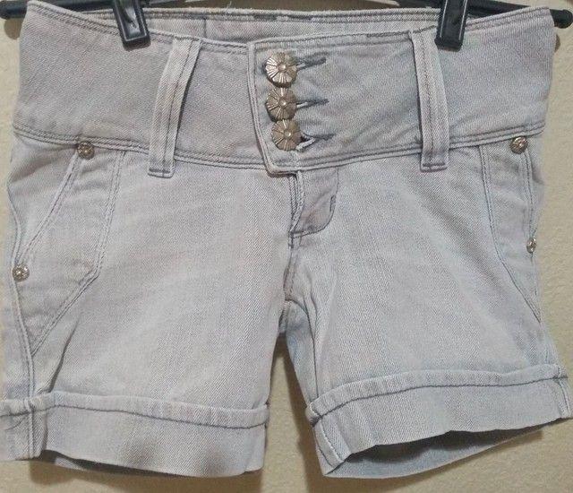 Shorts Jeans Feminino lavagem clara - Foto 2