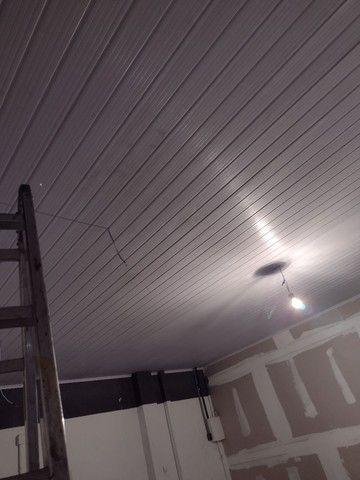 Rebaixamento e divisórias de drywall e PVC - Foto 2