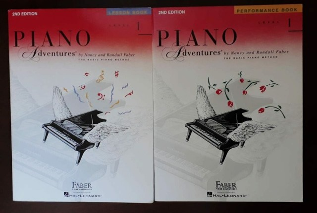 Piano Adventures - 2 Livros - Level 1