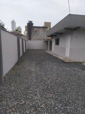 Locação anual, casa, Vila Real, BC - R$ 2.700,00 - Foto 2