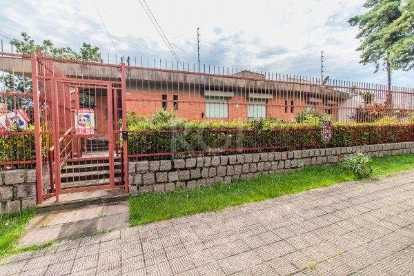 Casa à venda com 3 dormitórios em Chácara das pedras, Porto alegre cod:GS3490