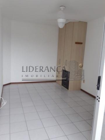 Apartamento, Serrinha, 1 dormitório, sala com sofá cama e rack, cozinha com armários, área - Foto 14