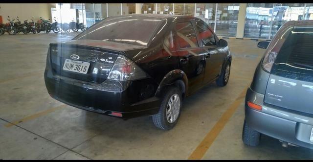Fiesta class sedan 1.6 estado de zero! - Foto 2