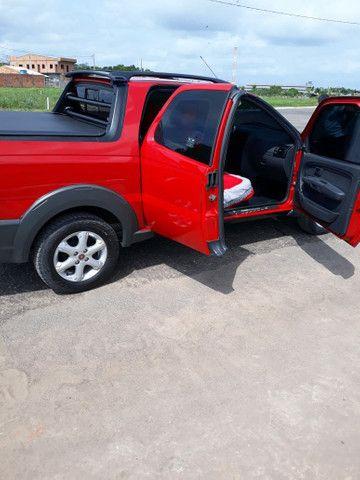 vendo está Fiat Strada, semi nova, tem apenas 18 mil km rodados, muito nova, ano 16/17  . - Foto 3