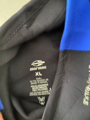 Bermuda e camisa mormaii, camisa quiksilver - Foto 2