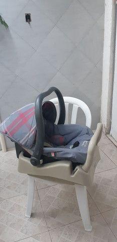 Bebê conforto com base p carro  marca birigotto. - Foto 2