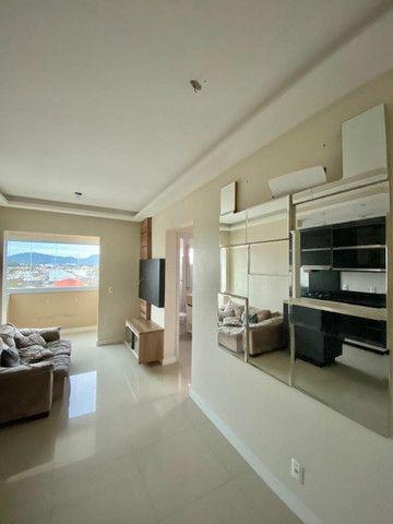 Apartamento cordeiros parte alta mobiliado - Foto 12