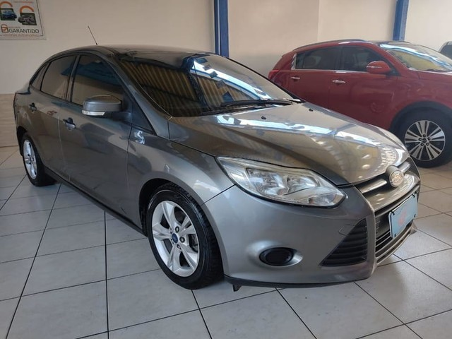 FORD FOCUS SE AT 2.0 S
