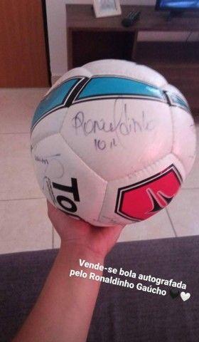 Vem de bola autografada