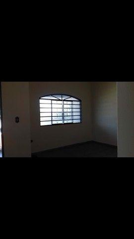 Aluga_se apartamento 3 quartos sobre loja  - Foto 2