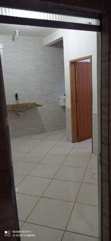 Aluga - se sala/quarto com aproximadamente 27m². - Foto 2