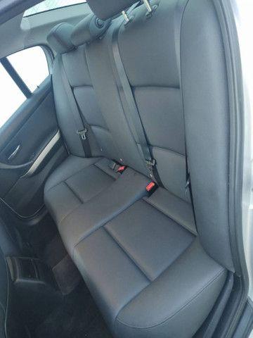 BMW 320i 2011 - Foto 17