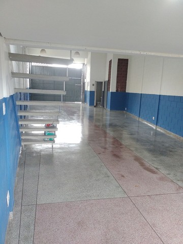 Aluga se salão de 150 metros quadrados com  três banheiros  por 3.000 abaixei  - Foto 14