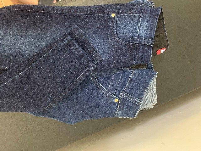 roupas - calça e tênis - Foto 3
