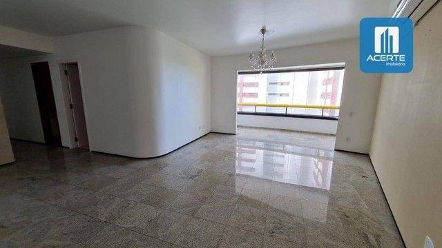 SD - Apartamento no calhau com 198M²