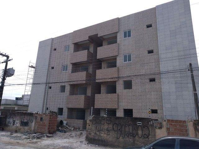 Apartamentos com 3 quartos, em uma das avenidas principais do Cristo, 165.000