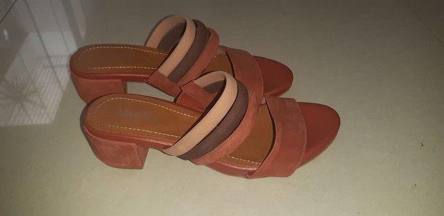 Sandália em couro n. 35 - Foto 2