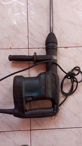 Vendo martelete da Makita 05 quilos só pega usa