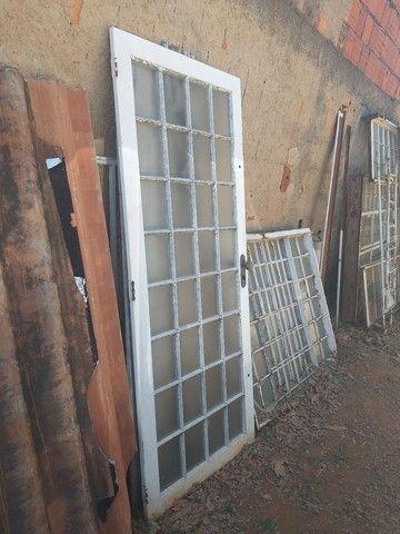 Portas de Ferro - Foto 2