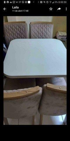 URGENTE !!!!!Vendo linda mesa com quatro cadeiras.POUQUÍSSIMO  USO - Foto 2