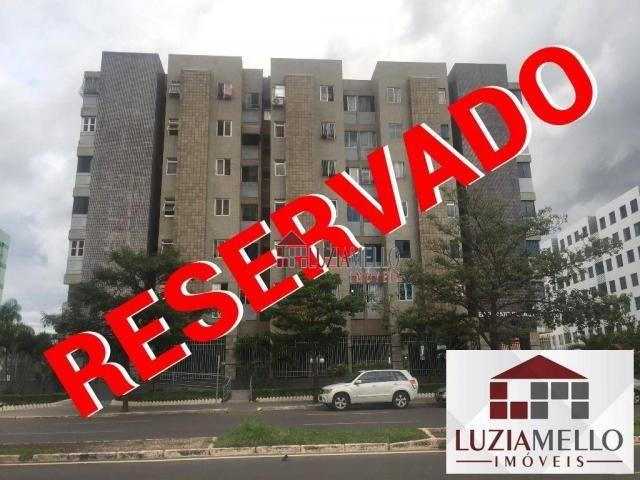 2 quartos, desocupado, sexto andar, com elevador. Renato de Sá Guará II