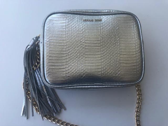 59f32f3a7 Bolsa Victoria's Secret Prata Dourada Original Importada - Bolsas ...