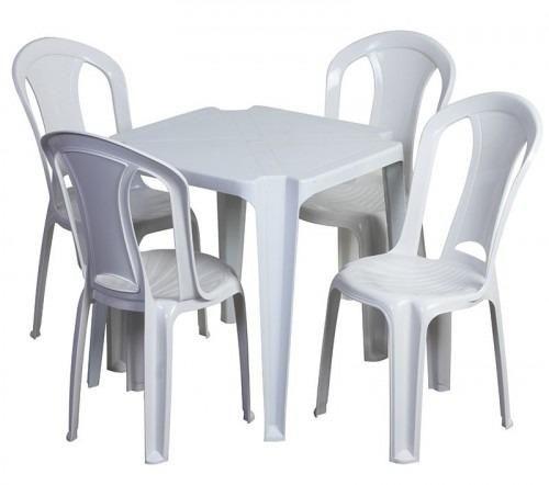 Vendo Mesas e cadeiras PVC cor branca marca Bells
