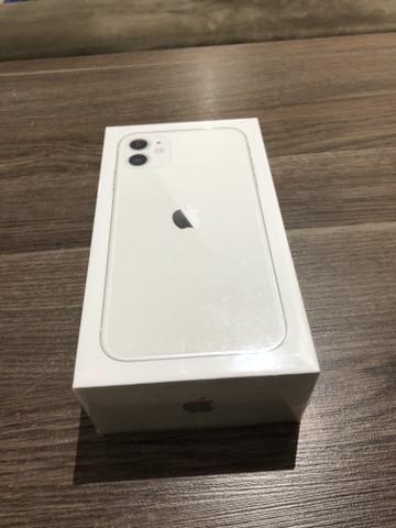 IPhone 11 branco 64gb lacrado - Foto 2