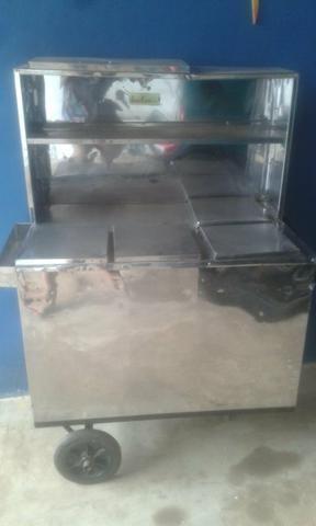 Vende-se carrinho de cachorro quente semi novo com vários acessórios