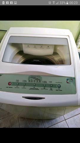 Vendo maquina de lavar Da Brastemp 8kg entrego no local vai com garantia - Foto 2