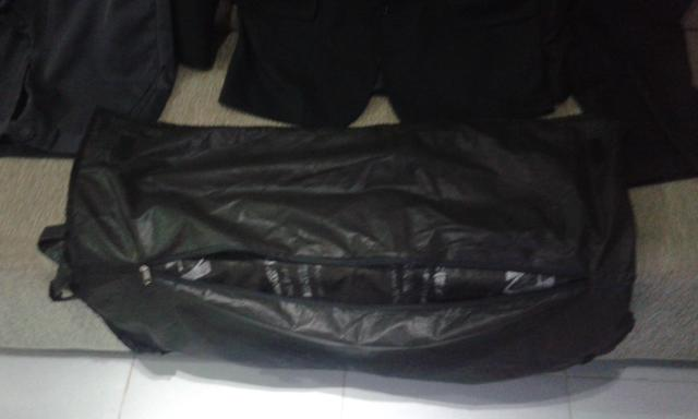 Vendo ou troco blazer N°54 e calças N°42 e 44 - Foto 5