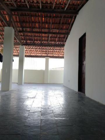 SU00060 - Casa tríplex com 05 quartos em Itapuã - Foto 17