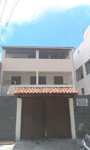SU00060 - Casa tríplex com 05 quartos em Itapuã