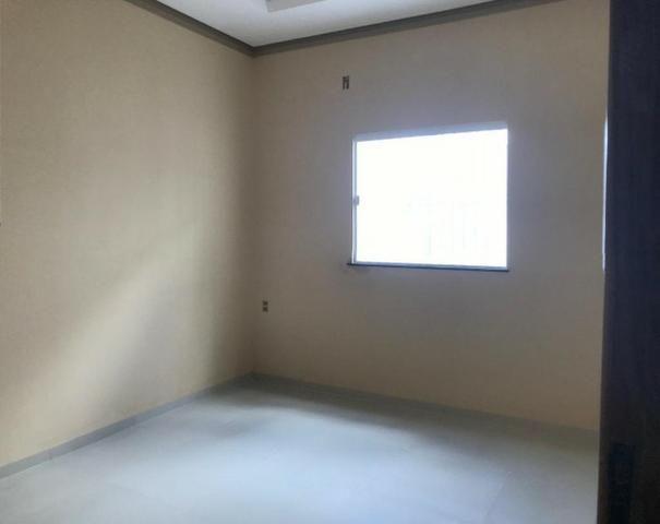 Vendo uma casa com 3 dormitorios sendo uma suite - Foto 2