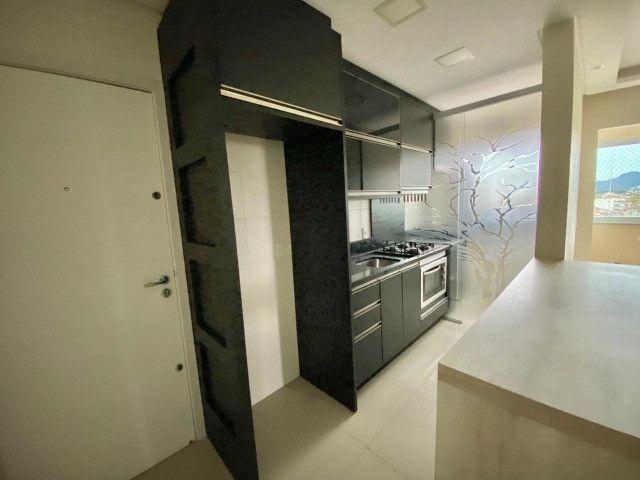 Apartamento cordeiros parte alta mobiliado - Foto 2