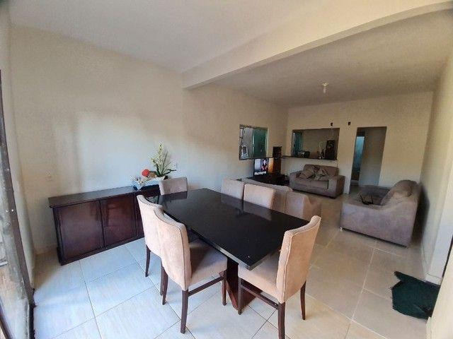 Casa com 4 Quartos, Piscina e Churrasqueira em Taguatinga Sul.