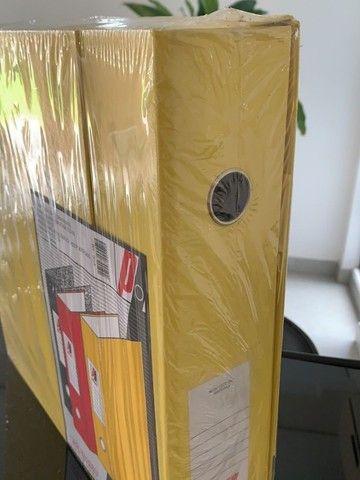 3 pastas organizadoras novas com ferragem cromada, marca polycart cor amarela - Foto 2