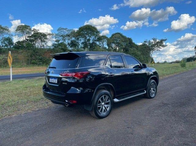 Toyota Hilux SW4 SRX 2.8 4x4 - 2017 - Foto 6