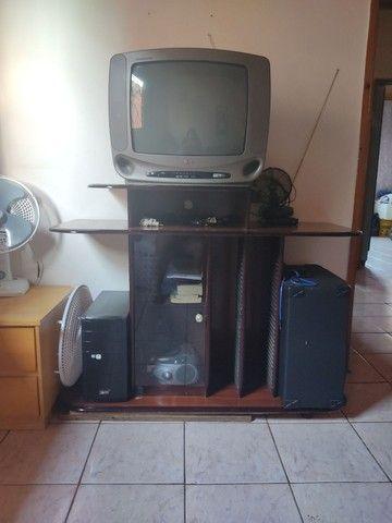 TV e Rack usados