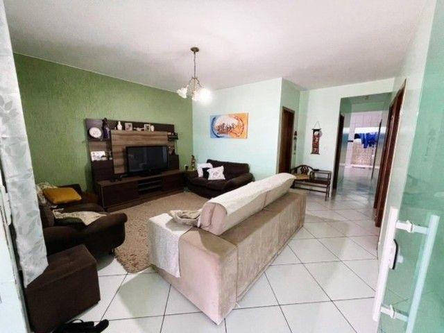 Linda Casa com 4 Quartos, Garagem Coberta em M Norte. - Foto 12