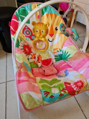 Cadeira de balanço e vibra  da Fisher Price   - Foto 2