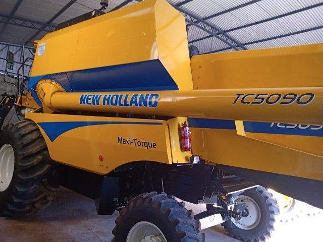 Colheitadeira New Holland TC5090 - Foto 2