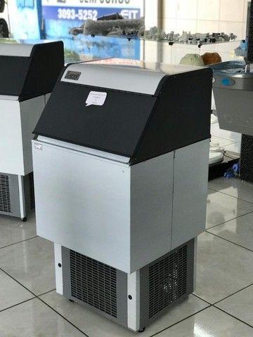 Máquina de Gelo 75kg