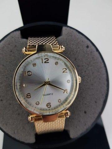 Compre 1 Leve 2 Relógios Skin Feminino. De 150 por 75 - Foto 4