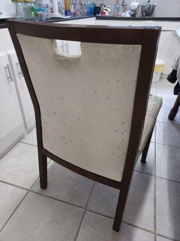 Mesa de jantar (madeira) com cadeiras - Foto 3