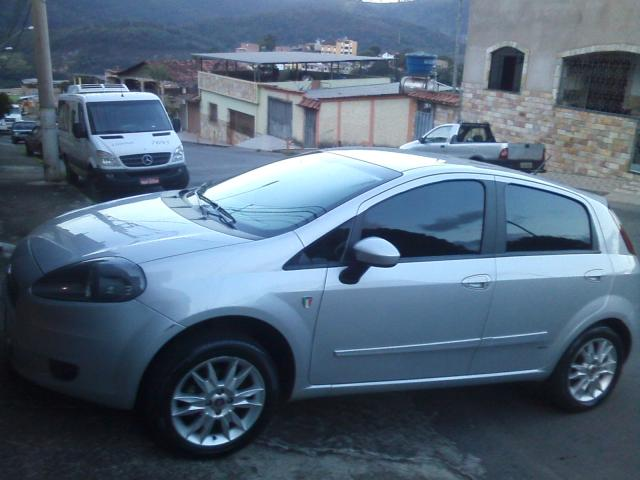 fiat punto attractive italia 2012 carros itabirito minas gerais olx. Black Bedroom Furniture Sets. Home Design Ideas