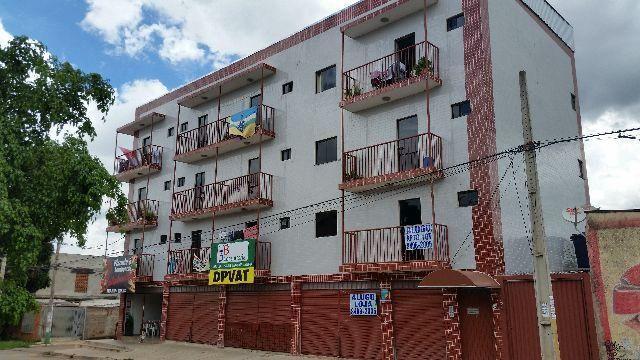 Ótimo apartamento 2 quartos, QNM 19 varanda