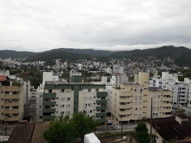 Apartamento, Serrinha, 1 dormitório, sala com sofá cama e rack, cozinha com armários, área - Foto 17