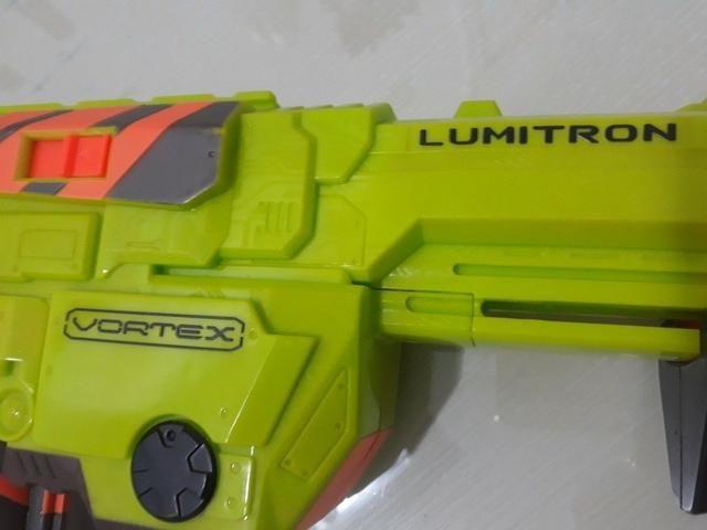 Lançador Nerf Vórtex Lumitron - Hasbro - Foto 3